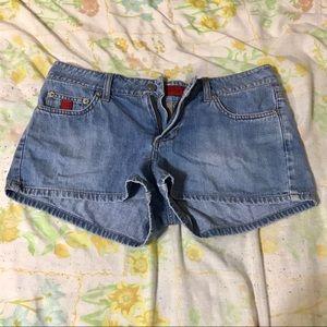 Low-rise basic denim shorts
